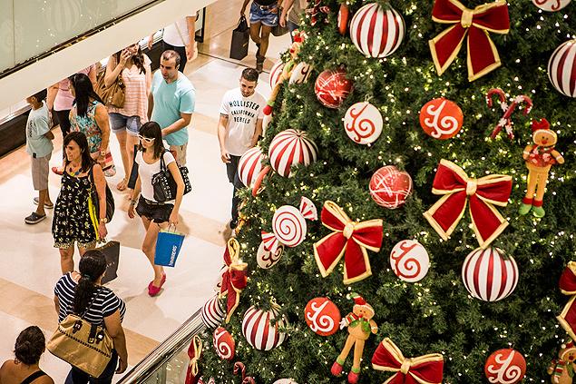 Drive Thru do Papai Noel no shopping, em Cabo Frio