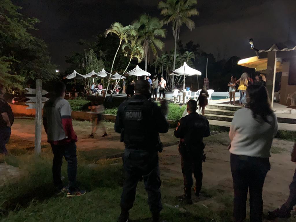 Festa em Camping em Cabo Frio é encerrada por fiscalização
